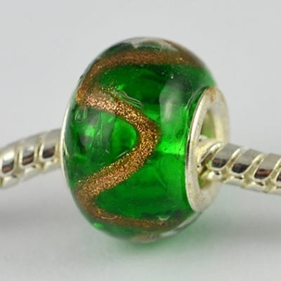 Green & Gold Designer Choice Gold Foil Glass Bead - Q1 12