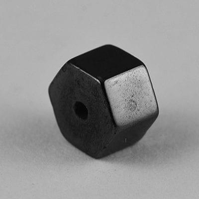 10 Hexagone Shaped Hematite Magnetic Beads - (5mm) 20