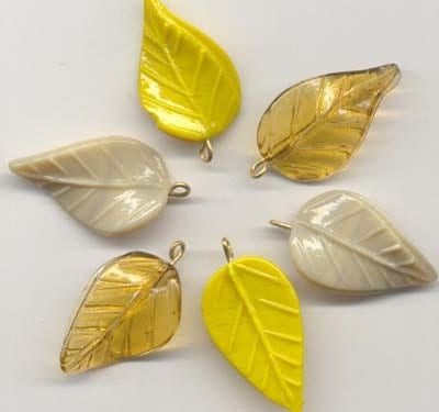 10 Autumn Leaves Pendants - Beige & Yellow (39mmx20mm) 20