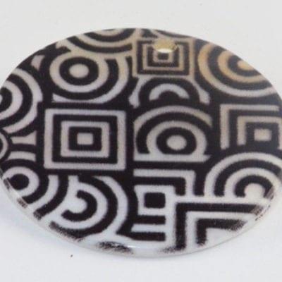 Round Flat Black & White Handmade Printed Shell Beads - (30mm) 2