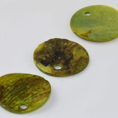 5 Earthy Green Stunning Flat Round Sea Shell Beads - (13mm) 9